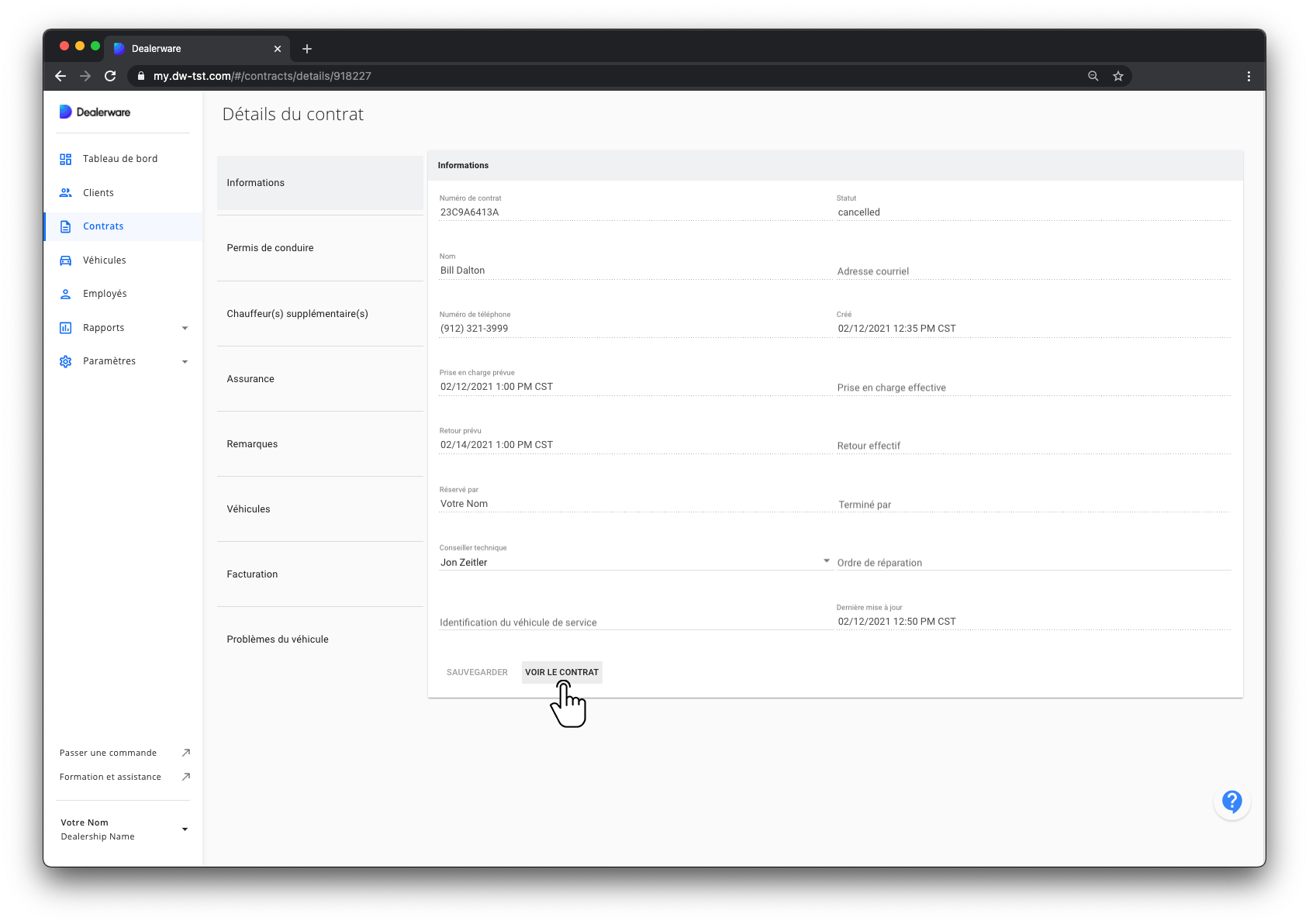Image: Écran Informations du contrat et menu principal de Dealerware, sous-section Informations, icône du doigt positionnée au-dessus du bouton Voir l'Accord client