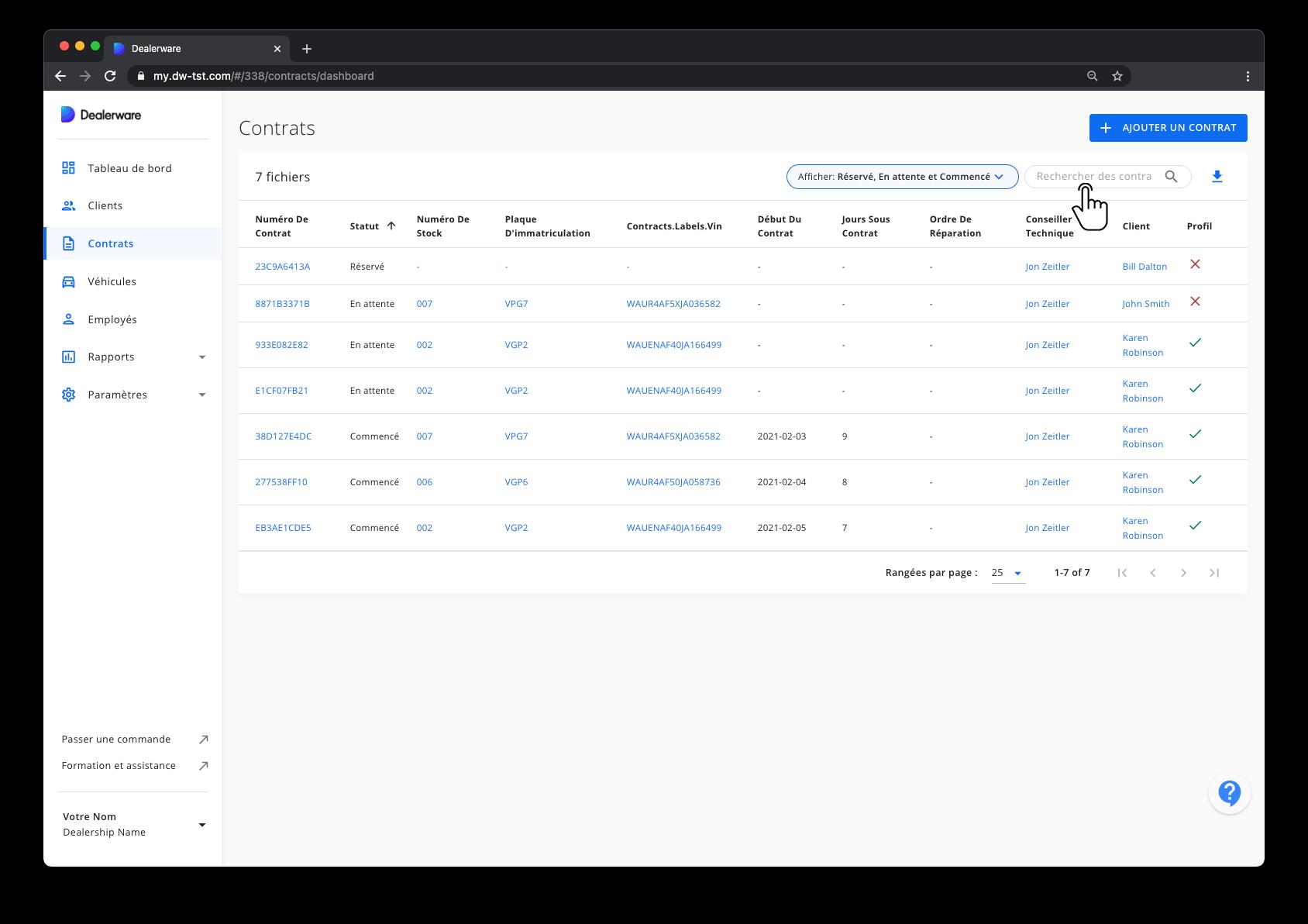 Image1: Écran Contrat et menu principal de Dealerware, icône de doigt positionnée sur le champ Rechercher des contrats