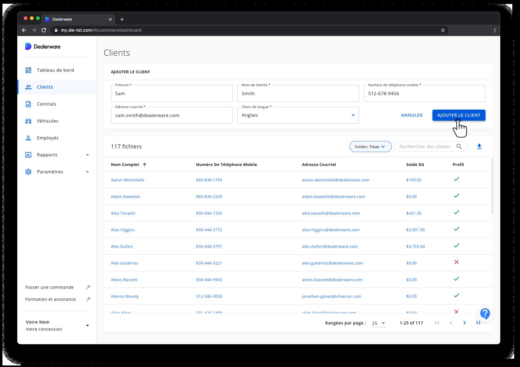 Image2: Écran Client et menu principal de Dealerware, données du client saisies, icône de doigt positionnée sur le bouton Ajouter un client
